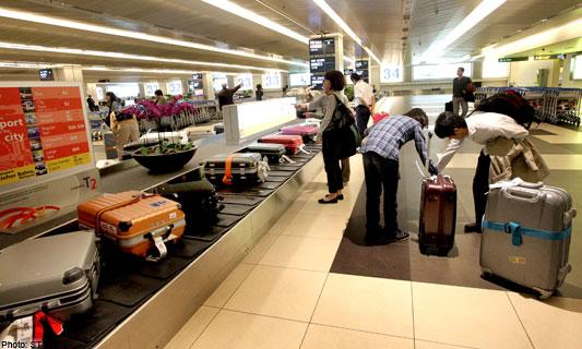 Vé máy bay Vinh Sài Gòn giá rẻ bao nhiêu